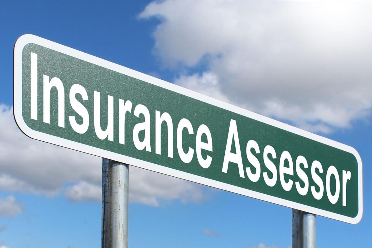 Insurance Assessor - Free of Charge Creative Commons Green Highway sign image